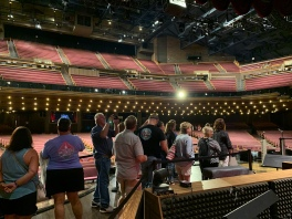 017i-Grand Ole Opry Backstage Tour